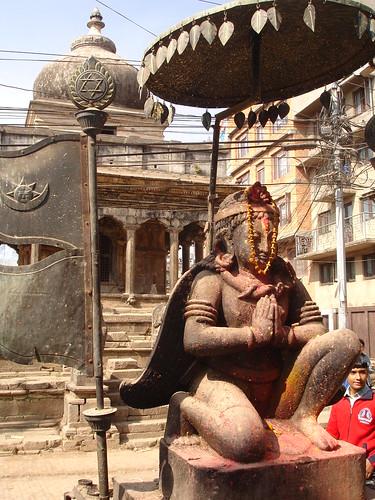 Idol Hindus in poza Yoga