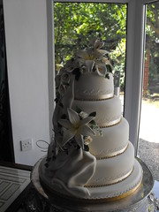 WEDDING CAKE LOUTH photo by KC WEDDING CAKES GRIMSBY