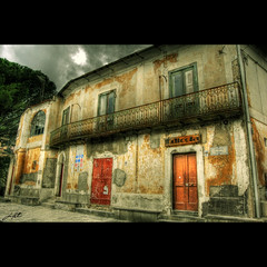 Old Building in Ravello photo by HuTDoG83