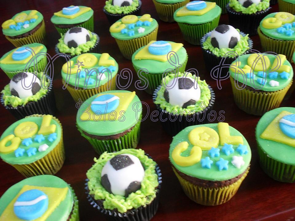 Cupcakes Copa do Mundo photo by Ana Paula Motta *Bolos Decorados*