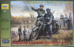 "ZVEZDA ""3632 GERMAN R-12 HEAVY MOTORCYCLE WITH RIDER AND OFFICER"" -1"