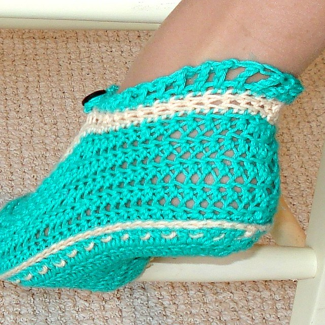 Crochet Geek - Free Instructions and Patterns: Crochet Adult Slippers