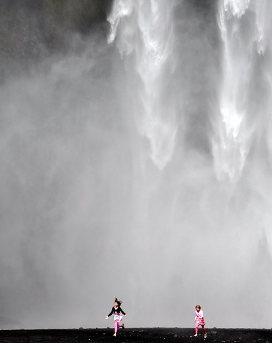 Joy under Skogarfoss photo by Martin Ystenes
