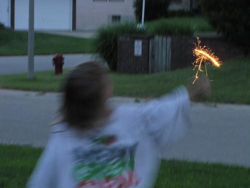 July4th2010-SparklersAtHome_004