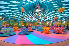 Mad Hatter's Tea Cups, Disneyland Park Paris photo by Larry White (Trying_to_Shine)
