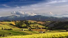Colline e montagne photo by Massimo Feliziani