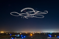 power glider light trails photo by Joits