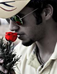 "●•يـامن عـلى قــلبي حــكم بالــحب ~ photo by AL.Z.BARA""07●~حبــك ســراب"