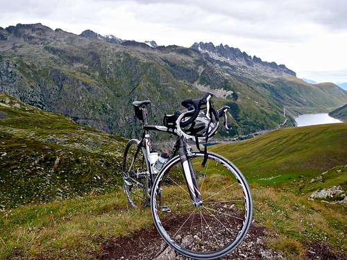 View of Croix de Fer route