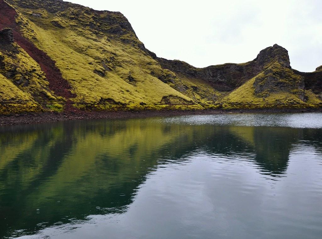 Tjarnargigur, Iceland photo by Martin Ystenes - http://hei.cc