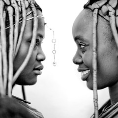 Himbas girls in profile, Angola photo by Eric Lafforgue