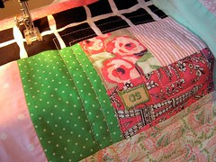 Log Cabin Pillow Tutorial: Quilting