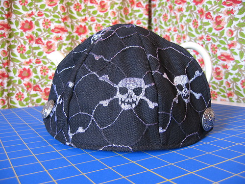 teapot cozy #4 (Pirate cozy)