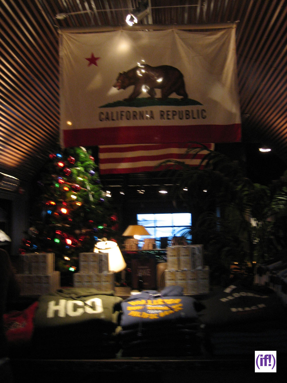 Hollister store inside the image kid for Abercrombie interior design and decoration