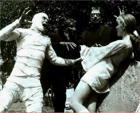 Fotograma del maravilloso clásico 'Santo y Blue Demon contra los monstruos'
