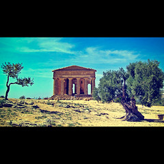 Once upon a time in Agrigento photo by Allard Schager