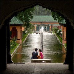 ROMANCE IN SHALIMAR photo by manumint-[BUSY]