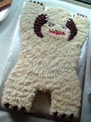 Empire Strikes Back Birthday: Episode I -- Wampa Cake photo by Alicia Policia aka The Small Cat Club