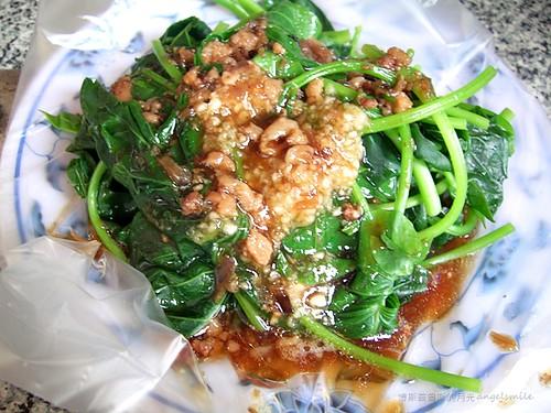 泰順街肉羹 - 澆上肉燥的燙青菜