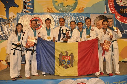 Echipa Moldovei (Stolas Leukas) la Campionatul Euro-Asiatic de Taekwon-Do din Almaty, Kazahstan 2010