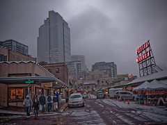 Seattle Snow - Pike Place Market photo by El Scrapeo