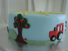 Farm cake - close up of tractor and appletree photo by Himmelske-kager
