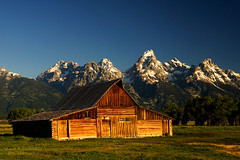 Dawn at Mormon Row in Grand Teton National Park photo by D200-PAUL (Paul Fernandez)