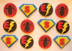 superhero-cupcake-toppers photo by CakesAndKids