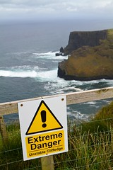 Extreme Danger - Unstable Cliffedge photo by theteadrinker
