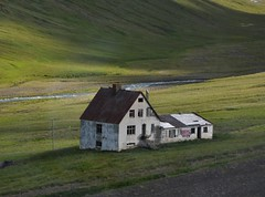 Abandoned Iceland house - 2010 - Bakkasel photo by Martin Ystenes - on vacation between mountains