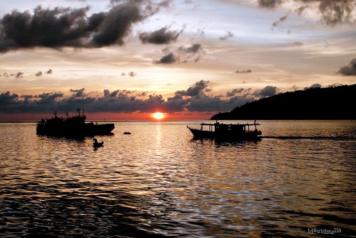 sunset at the waterfront, kota kinabalu.
