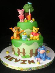 Winnie the Pooh cake ~~~~~~~ bolo Pooh photo by Kyllasweets