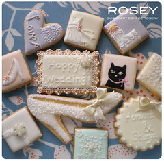 "LACY COOKIE  ""HAPPY WEDDING"" GIFT BOX photo by rosey sugar"