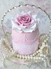 wedding minicake tea rose photo by Cakes by Tessa