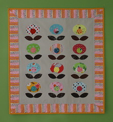 Pop Flower Quilt photo by twinfibers