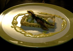 Scallop and asparagus tart with saffron sauce