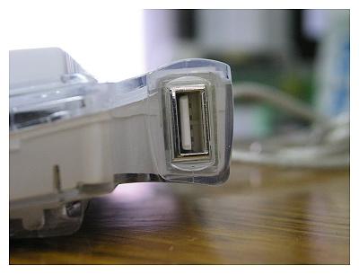 taclick_USB插孔細觀
