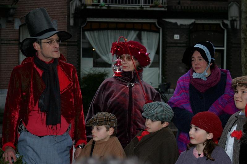 Scrooge voorstelling kids vrouwen.JPG