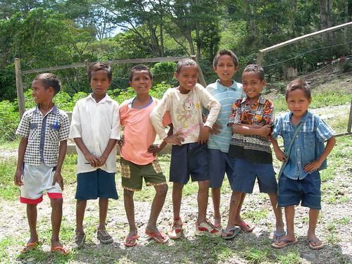 meninos de Timor
