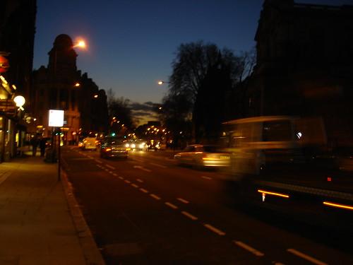 Knigthsbrige by night