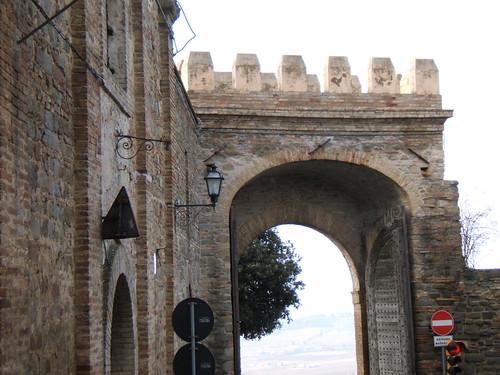 Bettona: la porta sulle mura
