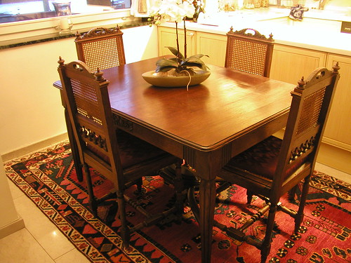 Dining Table and Chairs 004