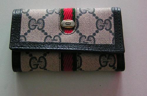 Plånbok från Gucci.