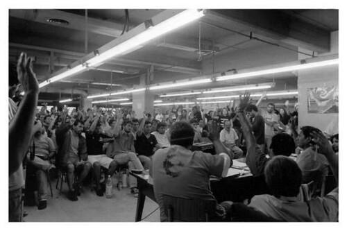 Febrero 2003, Brukman, Capital Federal, Buenos Aires. Preparativos del 3er Encuentro de Fábricas Ocupadas