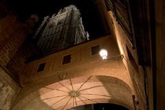 Vista Nocturna de la Catedral de Toledo