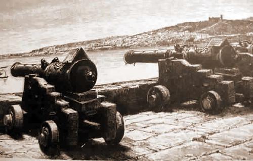 cañones sobre la muralla