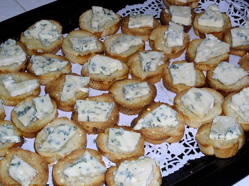 Crostini and blue cheese