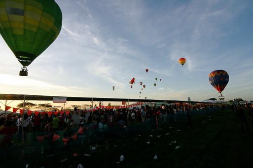 10th Balloon Fiesta (Feb. 12, 2006) - 41