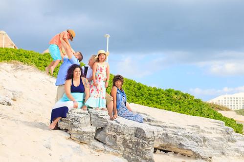 Cancun   Dooley Family   Flytographer   Family Portrait