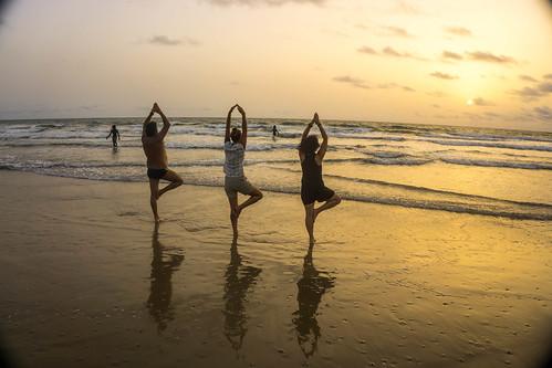 Yoga en la playa de Cap Skirring